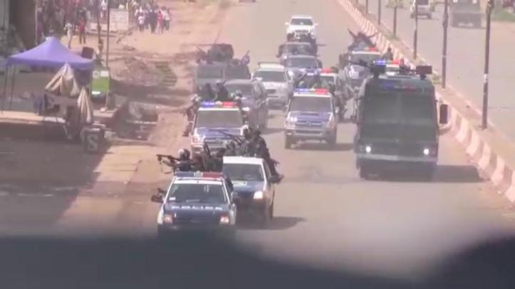 Le 11 décembre 2018, le gouvernement de la République démocratique du Congo a déployé des forces de sécurité à Lubumbashi pour bloquer la libre circulation du candidat de l'opposition à la présidence Martin Fayulu et de ses partisans, tuant au moins cinq personnes et blessant des dizaines d'autres. © 2018 Privé