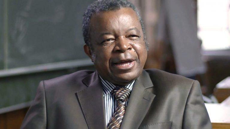 Le Pr Dr Jean-Jacques Muyembe est virologue. Il dirige actuellement l'Institut national de recherche biologique à Kinshasa