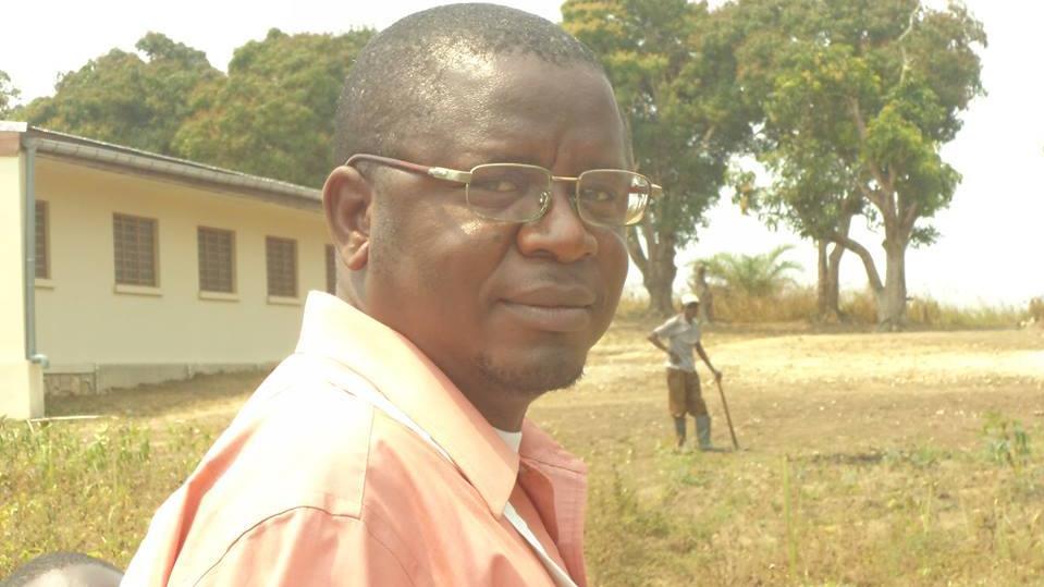 Le Dr José Mavuna, médecin chef de zone de Kisantu supervise les activités de sensibilisation sur le chikungunya