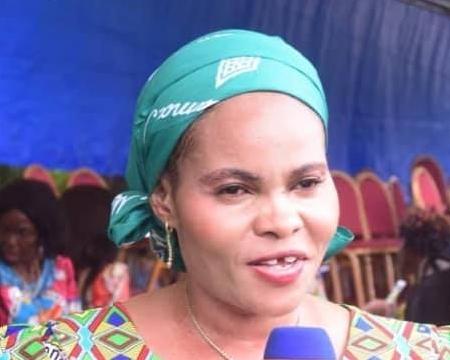 Mme Muyita Ankieta a dans un premier temps accusé le Vice Gouverneur d'avoir tenté de la violer avant de se rétracter. Elle a été révoquée de ses fonctions d'assistante du Gouverneur