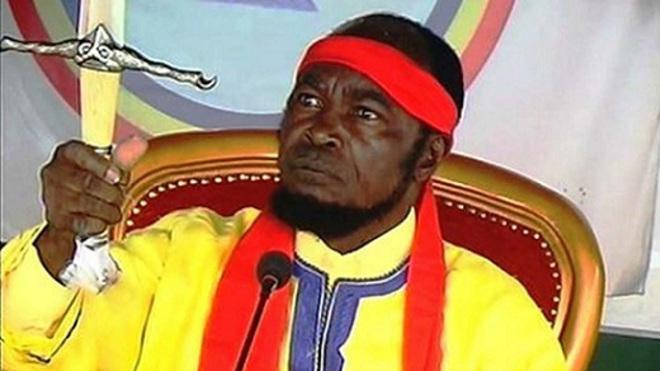 Ne Mwanda Nsemi, le leader du part Bundu dia Mayala a été arrêté dans la violence par la police. Une expertise psychiatrique a été demandée au centre neuro psycho pathologique de l,Université de Kinsahsa